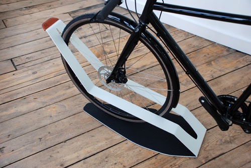 Furniture for Bikes: Sculptural Bike Storage in technology style fashion main home furnishings  Category