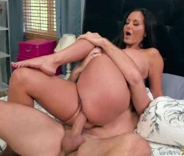 Hot Mom Sex Video Featuring Keiran Lee And Ava Addams