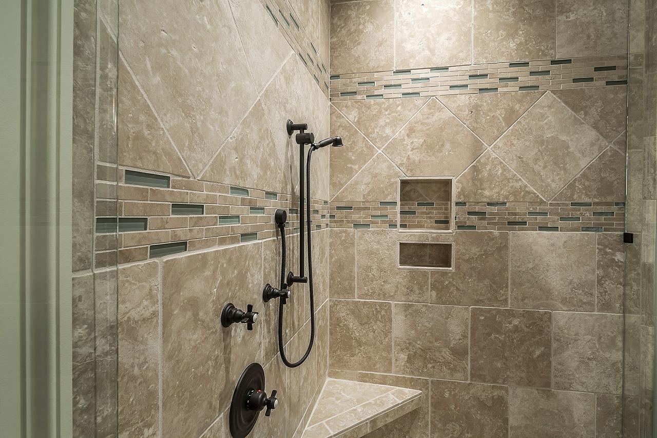 Comment planifier la plomberie de votre salle de bains