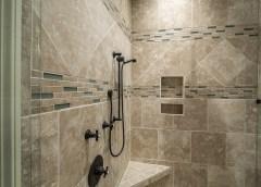 Quelles solutions pour venir à bout du calcaire dans la salle de bain ?