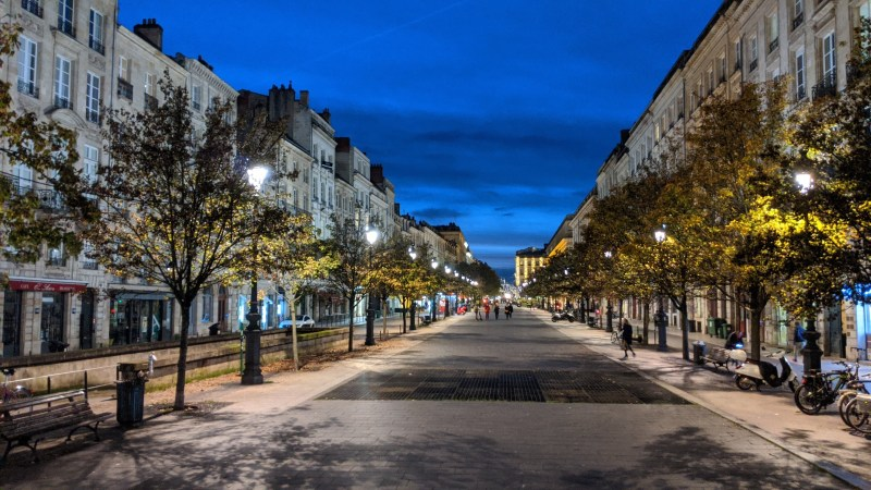 Bordeaux Self-guided Walking Itinerary- Cours du Chapeau-Rouge