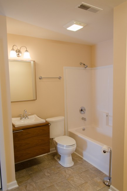 Full bathroom with plenty of space.