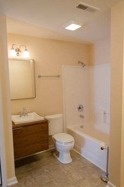 Full bathroom with plenty of space.
