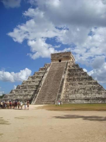 Piramide de Kukulkan Chichen Itza Yucatan Mexico
