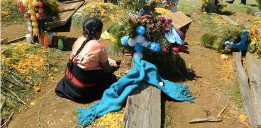 2 de noviembre mujer chamula panteon Chiapas Mexico EFE