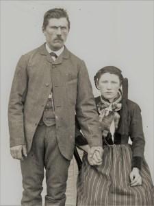 Þórhannes og Þóra Benónía. Ljósm. Björn Pálsson 1891. Ljósmyndasafnið Ísafirði.