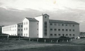 Gagnfræðaskólinn í Vestmannaeyjum nýbyggður.
