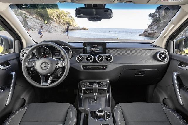 2018 Mercedes X-Class interior