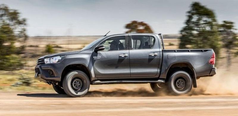2018 toyota hilux facelift revo usa 2019 2020 best trucks. Black Bedroom Furniture Sets. Home Design Ideas