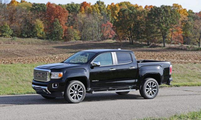 2019 GMC Canyon side