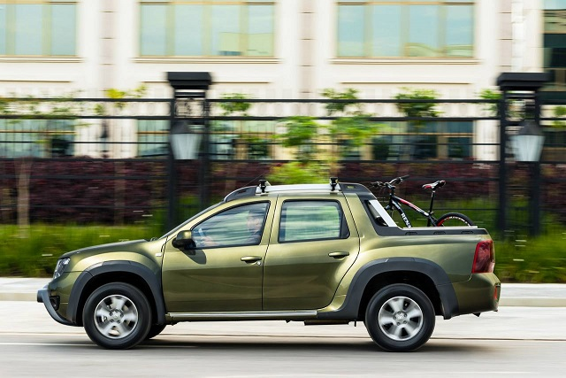2018 Renault Duster Oroch side view