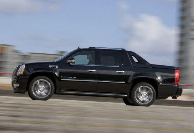 2019 Cadillac Escalade EXT side