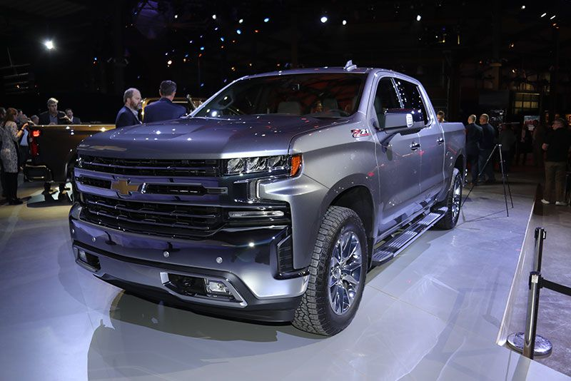 2019 Chevrolet Silverado 1500 First Look, Video - 2019 ...