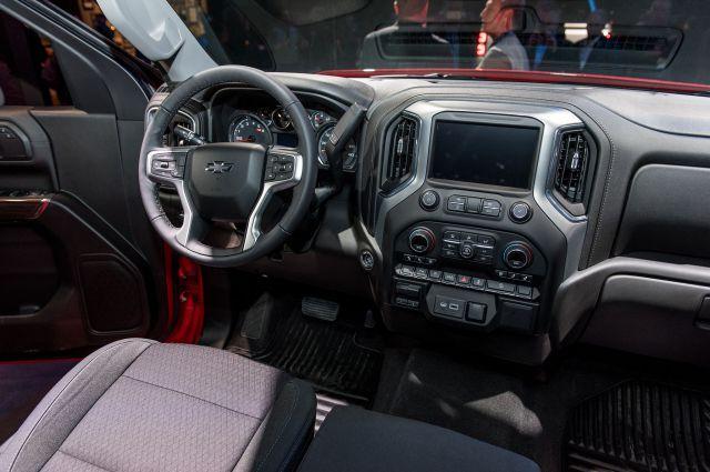 2019 Chevy Silverado 1500 LT Trail Boss interior