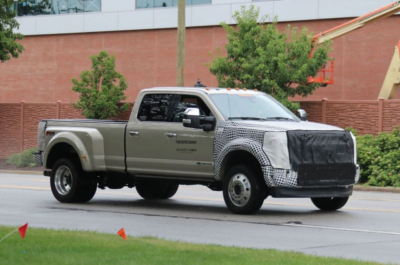 2019 Ford F-450 front