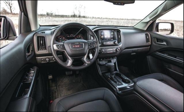 2019 GMC Canyon Diesel interior