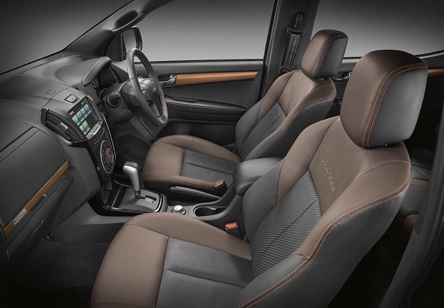 2019 Isuzu D-Max V-Cross interior