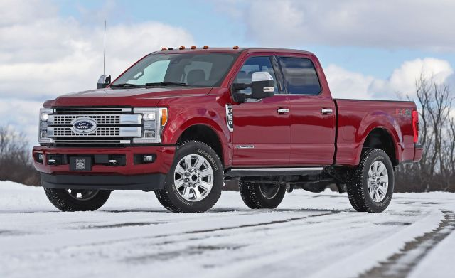spied  ford   provide numerous updates      trucks