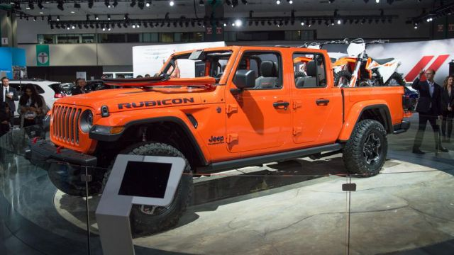 2020 Jeep Gladiator side