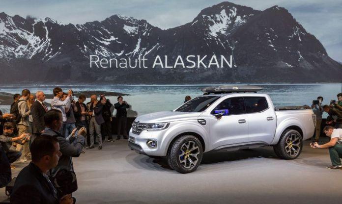 2020 Renault Alaskan front