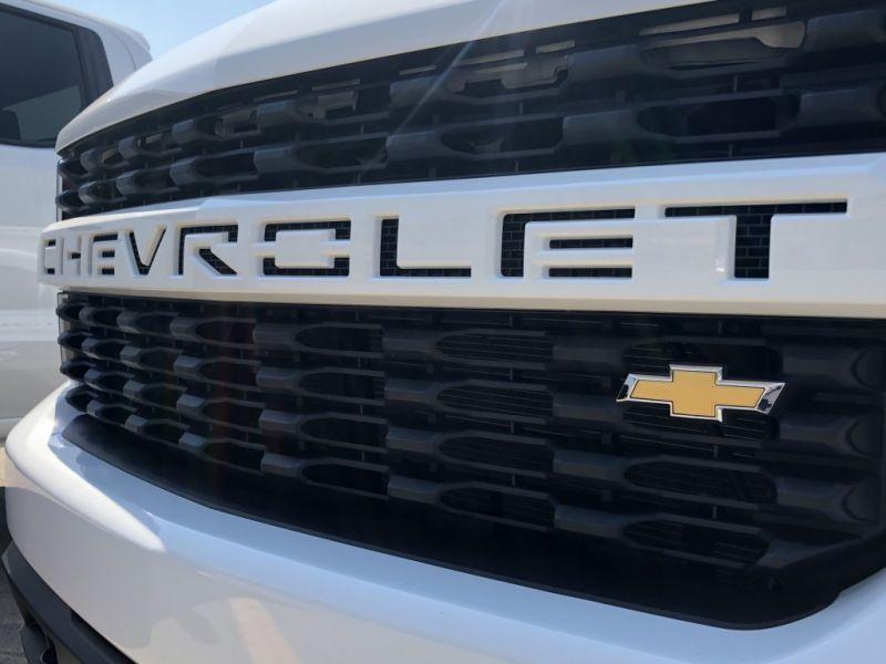 2020 Chevy Silverado 1500 grille