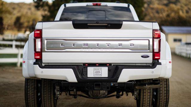 2020 Ford F-450 rear