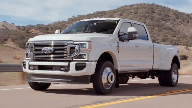 2020 Ford F-450 side