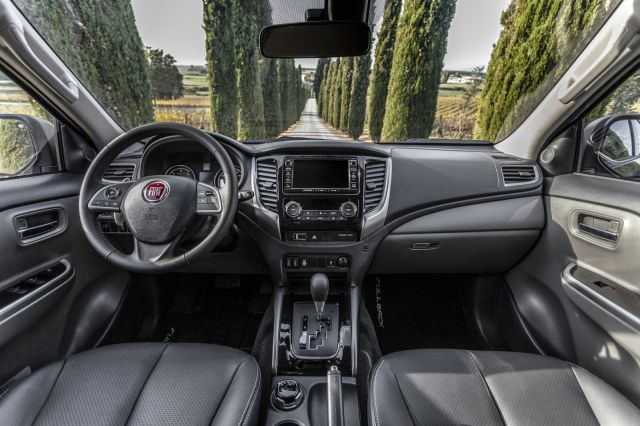 2020 Fiat Fullback Cross interior