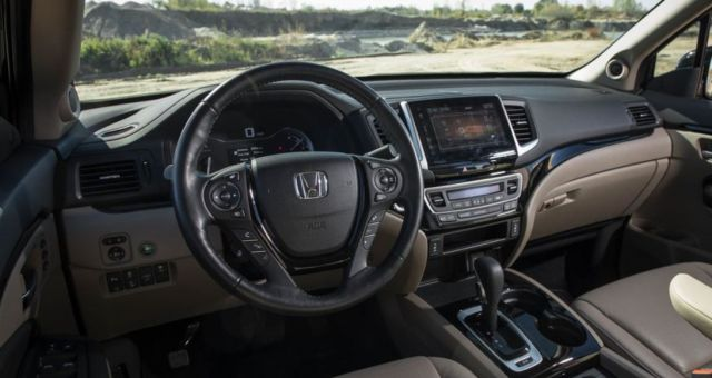 2020 Honda Ridgeline Black Edition interior