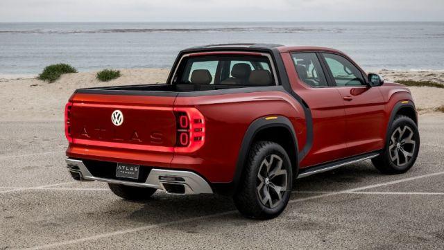 2020 Volkswagen Atlas Tanoak rear