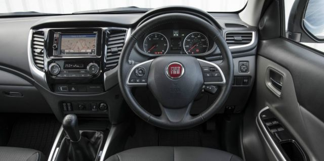 2021 Fiat Fullback interior