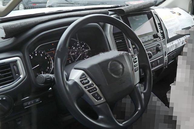 2021 Nissan Titan interior