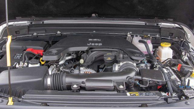 2020 Jeep Gladiator Overland engine