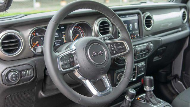 2020 Jeep Gladiator Overland interior
