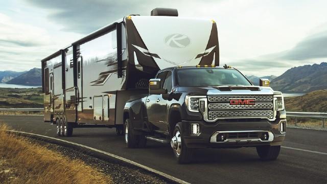 2021 GMC Sierra 2500HD trailering