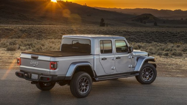 2021 Jeep Gladiator Willys Package features