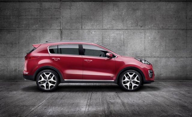 2019 Kia Sportage side