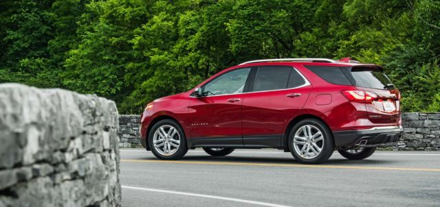 2019 Chevy Equinox side