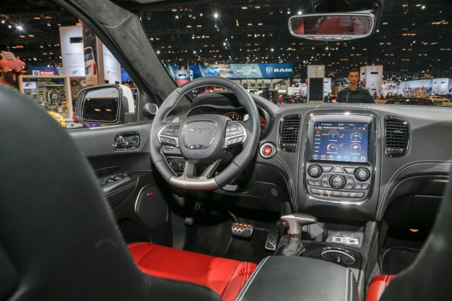 2019 Dodge Durango interior | 2019 - 2020 SUVs2019 – 2020 SUVs