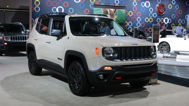 2019 Jeep Renegade front