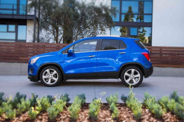 2019 Chevy Trax side