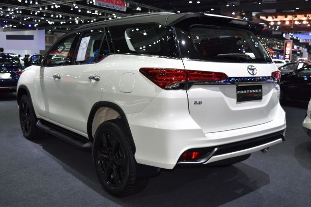 2020 Toyota Fortuner Facelift And Price >> 2019 Toyota Fortuner rear | 2019 - 2020 SUVs2019 – 2020 SUVs