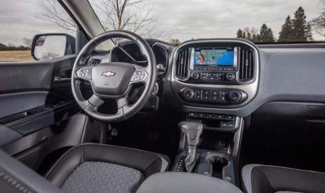 2018 Chevy Colorado ZR2 Interior