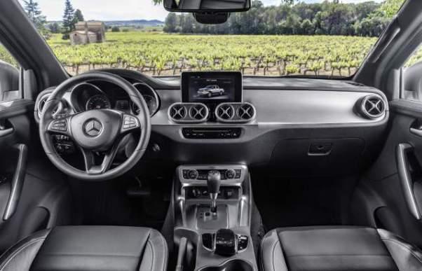 2019 Mercedes-Benz X-Class interior