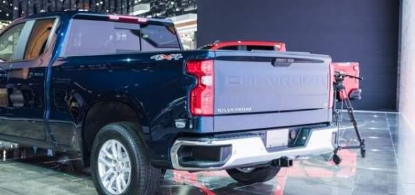 2019 Chevrolet Silverado 1500 tailgate
