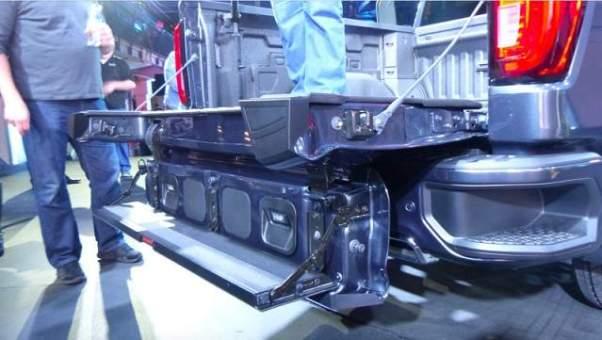 2019 GMC Sierra 1500 tailgate position 3