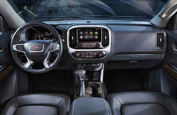 2020 GMC Canyon Denali interior
