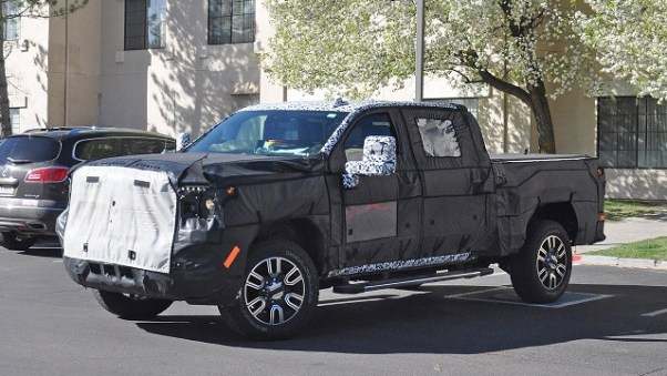 2020 GMC Sierra 2500 spy photos