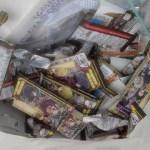 【シール転売】「鬼滅の刃ウエハース」 シールだけ取ってお菓子を捨てる姿を見かねた店員の告発が話題に…  ★3  [BFU★]