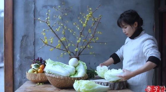 キムチは中国料理発言の超美人ユーチューバー ギネスブックに登録される 韓国「国家の陰謀だ」
